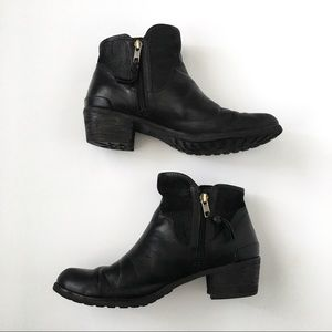 UGG Shoes - Ugg Black Leather Sherpa Suede Ankle Boots Booties